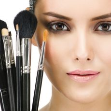How To Choose Brushes For Face Painting?